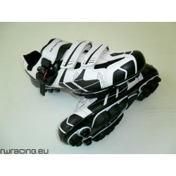 Scarpe M-wave bianche / nere n 42 - 43 per tacchette